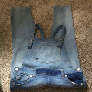 Cat & Jack soft denim overalls NWOT Size 7/8